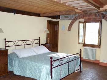 Villa_Antico_Podere_Arezzo_Double_Bedroom