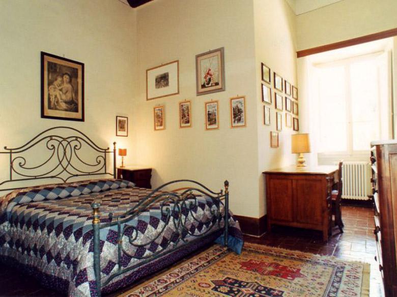 Italian Villa Rentals - Bedroom