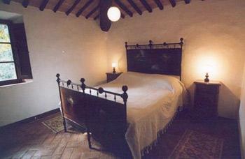 Apartment Castello Caldana Tuscany -  Bedroom