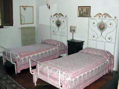 Villa Castagna Arezzo Tuscany  - Twin Bedroom