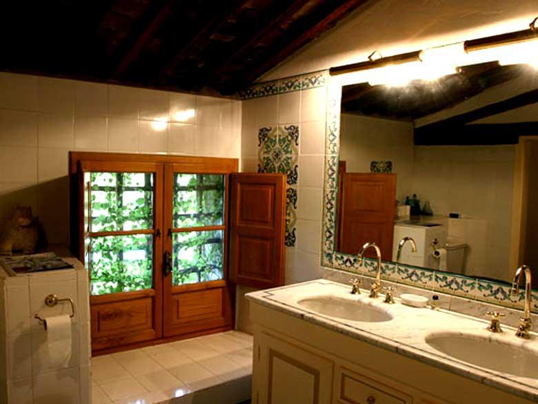 Villa-Jasmine-bathroom
