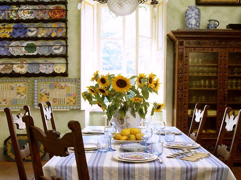 Villa-Jasmine-Lucca-dining room