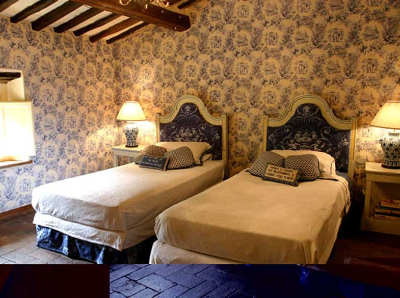 Villa-Jasmine-Lucca-twin bedroom