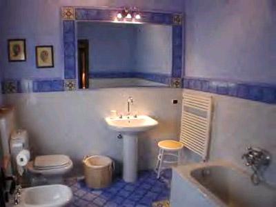 Villa-Casa-Paradiso-Lucca-Bathroom