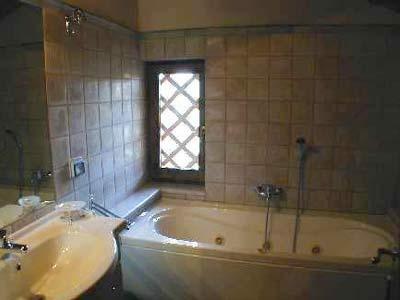 Cottage Wine Barrel Florence - Bathroom