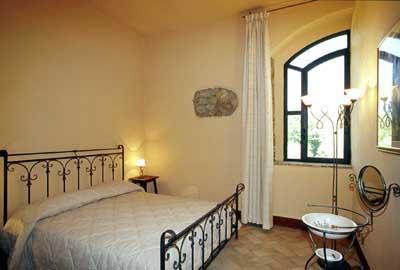 Apartment Monteriggioni 8 - bedroom