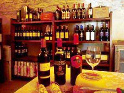 Apartment Monteriggioni 8 - winecellar