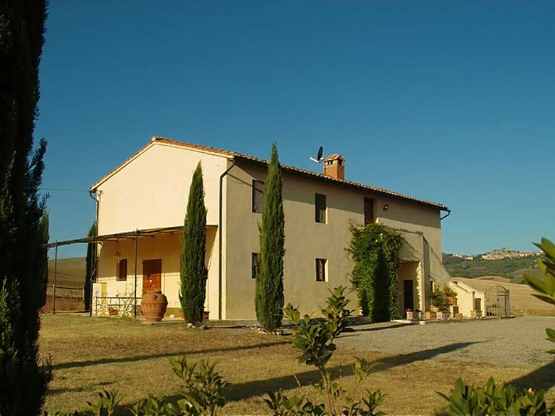 Tuscany farmhouse with swimming pool