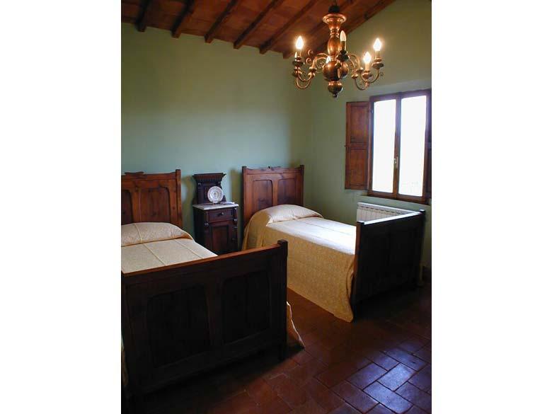 Farmhouse Podere Pienza Tuscany  - Twin Bedroom