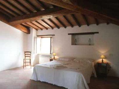 Italy-rental-villa-Bedroom