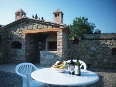 Italy-rental-villa-outside_dining