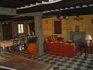 Farmhouse Camila_Living cum dining