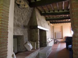 Farmhouse Mandorlo_Fireplace