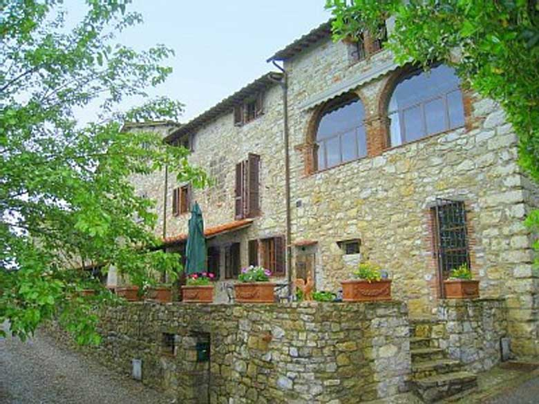 front-of-Villa-Gaiole
