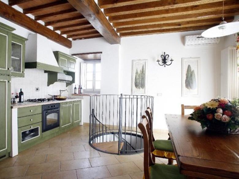 Kitchen & Dining Hall